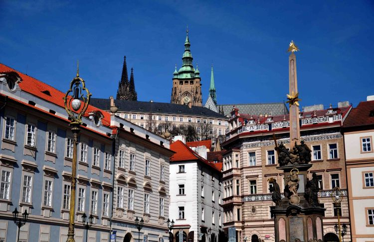 f St. Vitus Cathedral and Prague Castle from St. Nicholas of Mala Strana